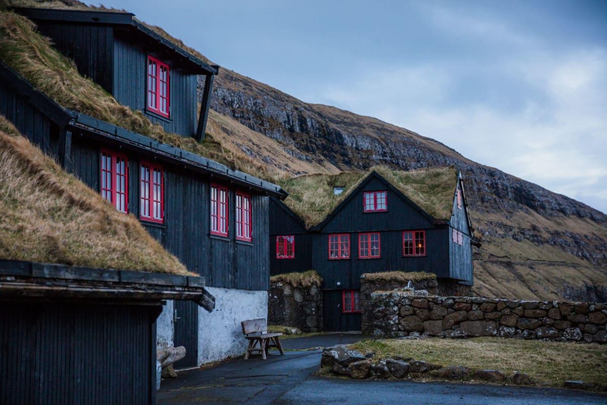 Forelsket-i-Færøerne - anhede-faroe-islands-kirkjubour-2.jpg