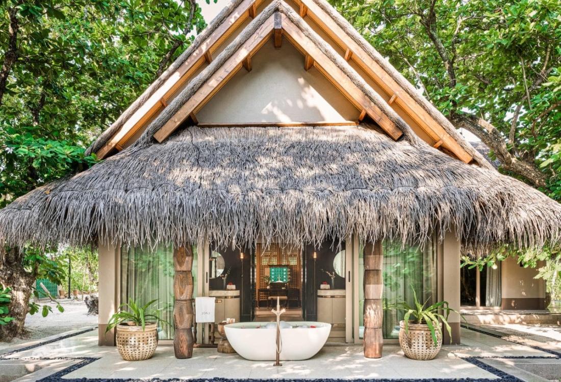 Joali,Maldiverne - LuxuryBeachVilla-10.jpg