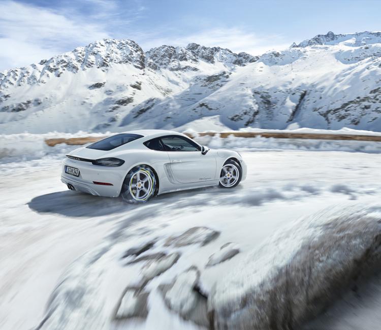Porsche-på-pisterne - Porsche-718-Cayman_01.jpg