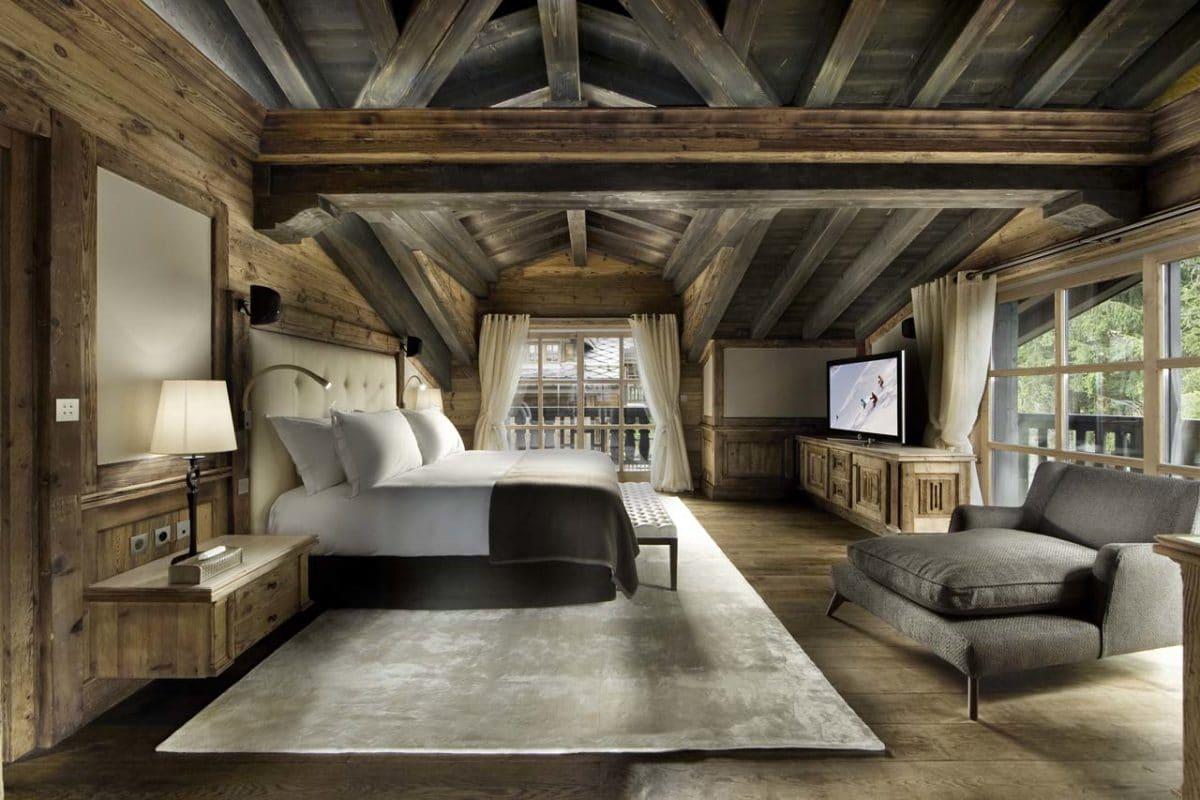 Porsche-på-pisterne - chalet-edelweiss-courchevel-1850-master-bedroom-1.jpg