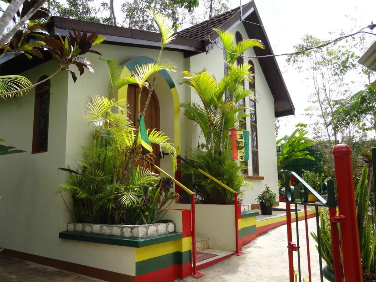 Rohan-Marley-guld-ø-Jamiaca - Bob-Marley-Mausoleum2.jpg