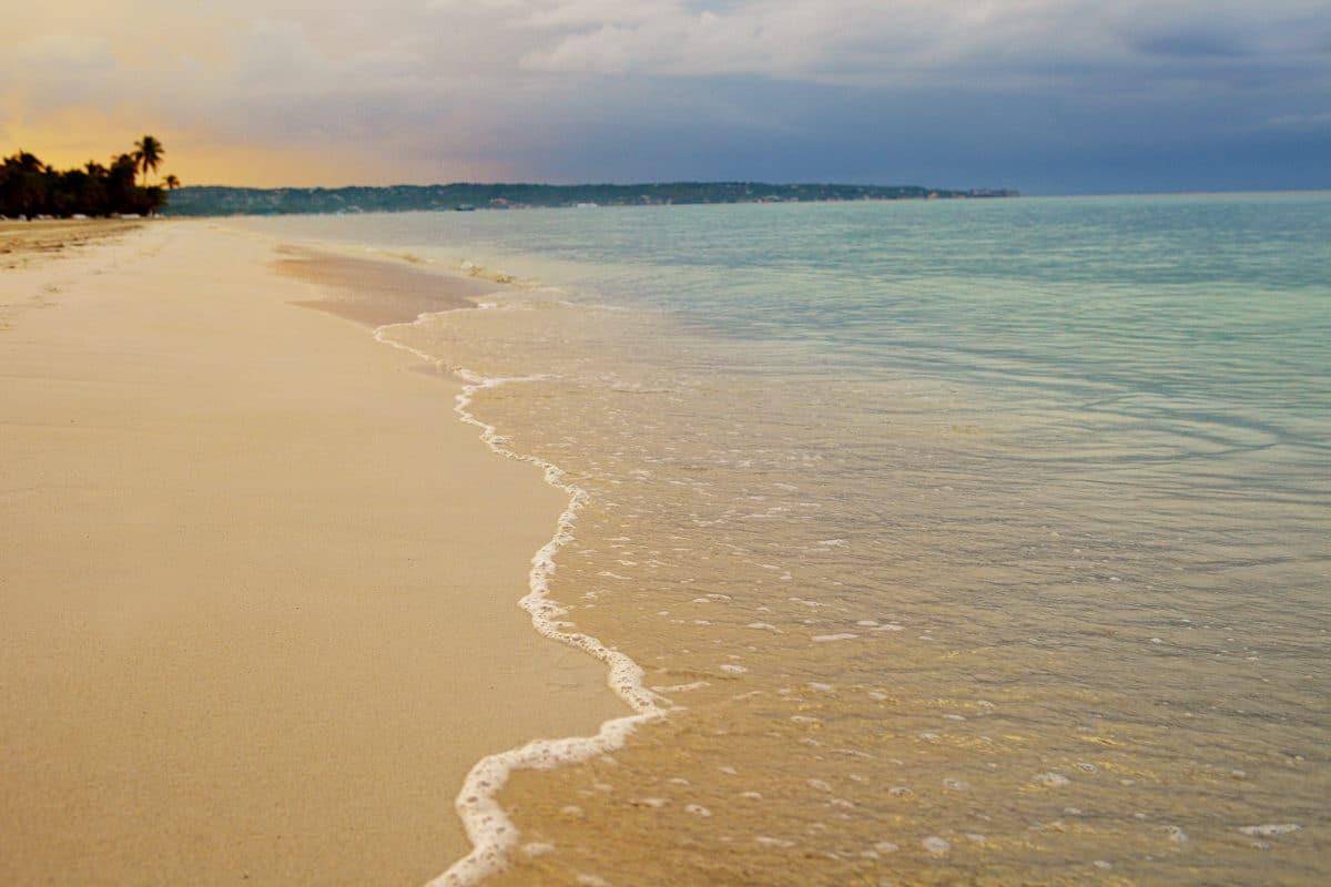 Rohan-Marley-guld-ø-Jamiaca - Jamaica-strand.jpg