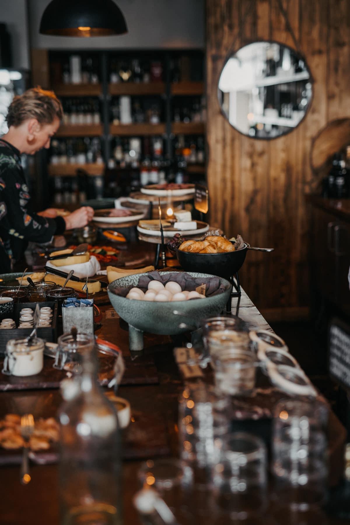 Skaldyr-whiskeysmagning-skærgaarden - scandinavian-detours-190515-3.jpg