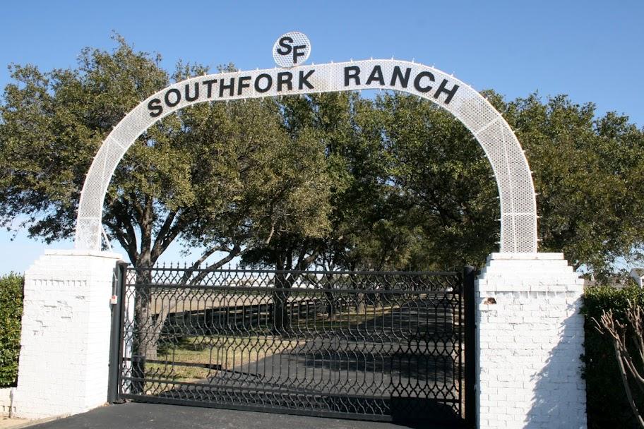 Ewings-Dallas-Feel - Southfork_Ranch_DF_Dallas_USA.jpg
