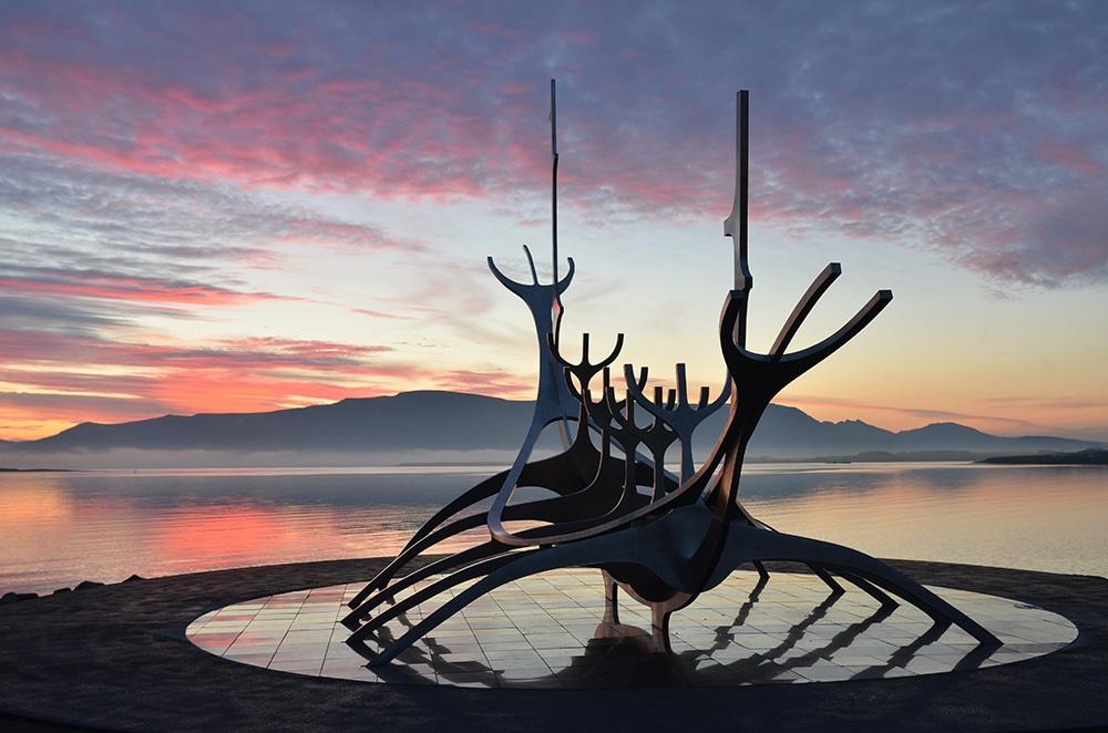 Uffe-Holm-Island-natur-familieeventyr