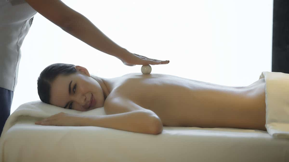 spa-junkies-bekendelser - Chiva-Som-Crystal-Massage-H.jpg